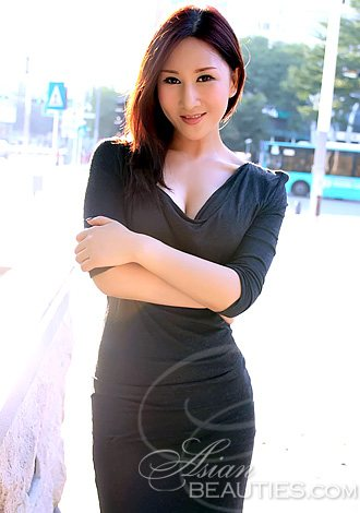 black earth asian single women Meet single black women in black earth are you single in black earth and searching for a single black woman to begin a home life with zoosk makes meeting single black women in black earth easy.